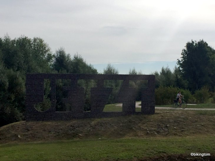 Fahrradtour bikingtom JETZT-Skulptur Seseke-Weg