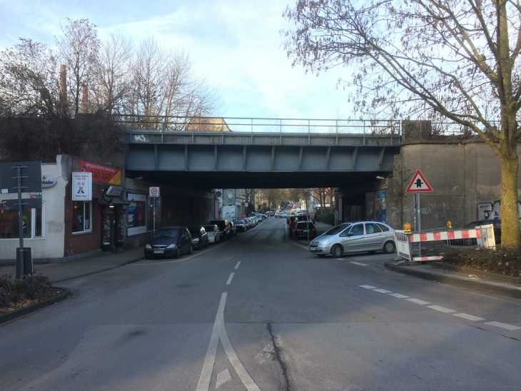 Frank Rosinger, Radschnellweg Ruhr RS1, Bahnbrücke Altenessener Straße, Viehofer