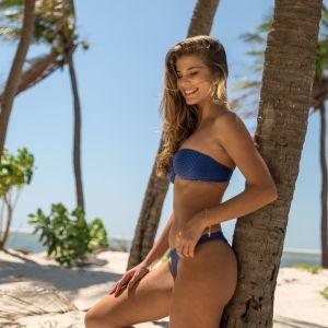 Blauer Bikini 2020 texturiert, Reliefeffekt
