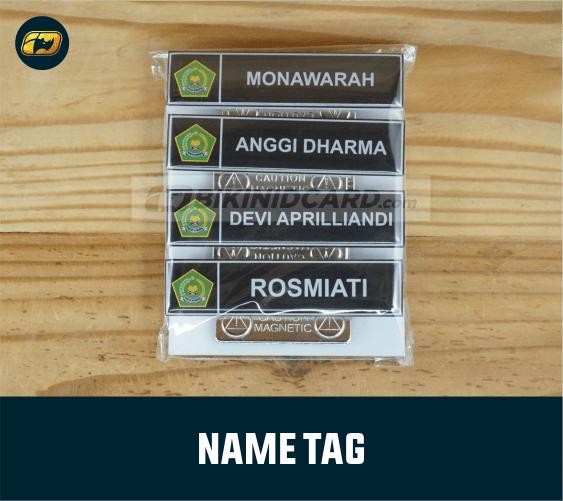 fungsi name tag guru