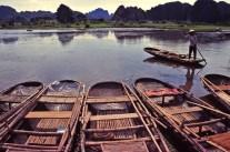 """Barques à la """"Baie d'Halong terrestre"""""""