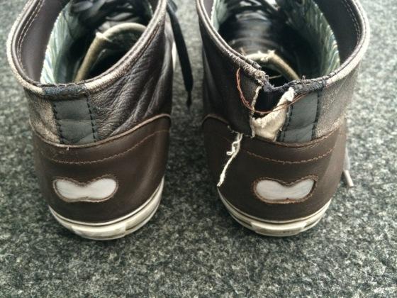 Chaussures DZR Ovis. L'une a résisté, l'autre pas. Demi-succès ou demi-fail?