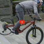 Danny MacAskill casse une roue carbone, mais il en a fallu…