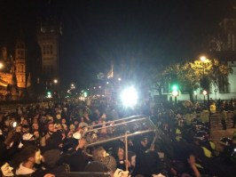 @sara_firth A barrier being raised by some protestors Thousands of people in front of the houses of Parliament now