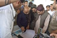 @BilawalHouseKhi CM #Sindh visits Ulra Jagir Band to inspect & monitor the flood situation & relief activities for affected people 3