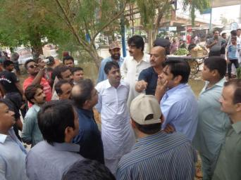 @buriroGM After heavy rain in HYDERABAD Sindh Minister @jamkhanshoro visited the city with District Admin & PPP Office Bearers 2