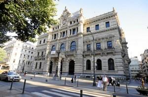 Vista del edificio que alberga la Diputación foral de Bizkaia en Bilbao. FOTO: Mikel Arrazola (Irekia, Gobierno vasco)