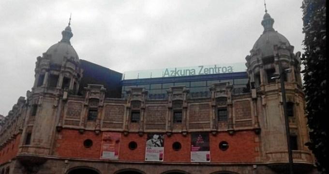 Azkuna Zentroa aprovecha el verano para llevar a cabo reformas en su piscina