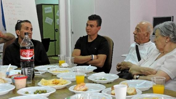 Diferentes edades y nacionalidades se unen en Bilbao La Vieja para protagonizar un programa de intervención sobre gastronomía