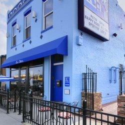La Cour Bistro & Art Bar