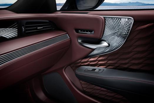 Lexus LS 500 2018 Interior Doorr