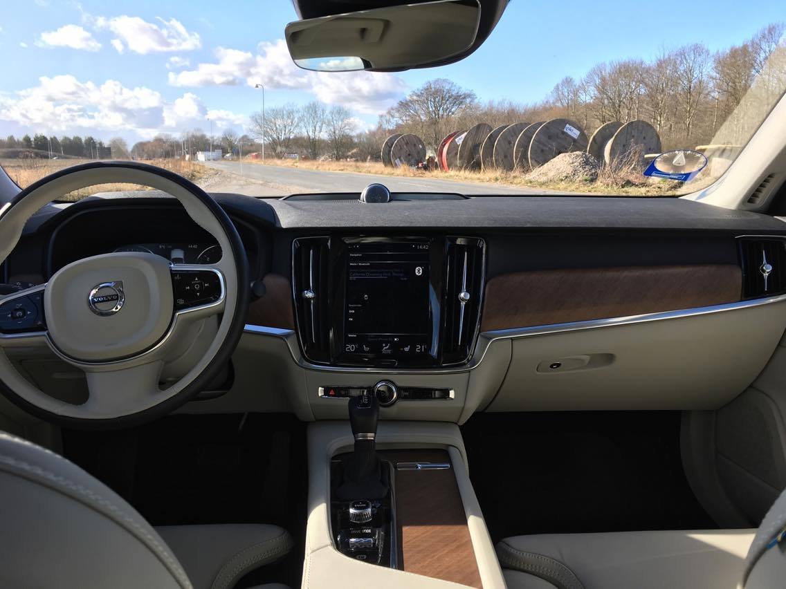 Volvo S90 Dashboard