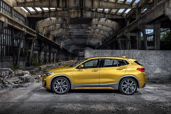 BMW X2 - fra siden