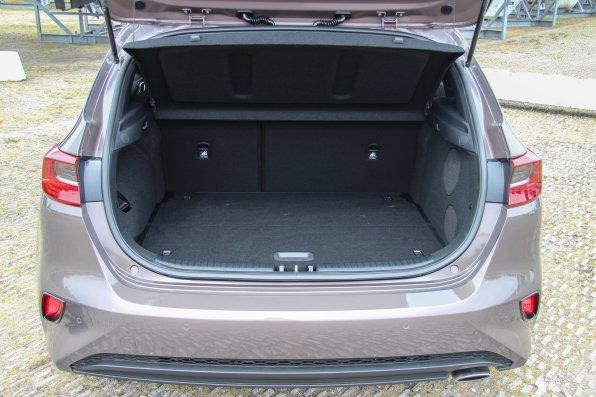 Ny_KIA_Ceed_Hatchback18