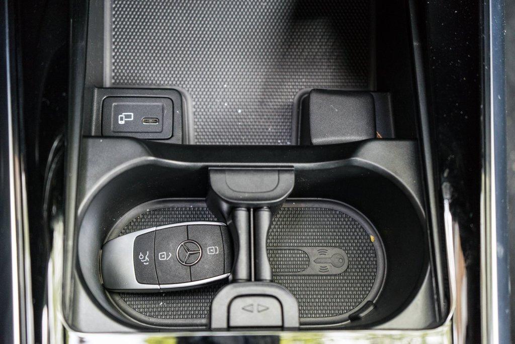 Mercedes-Benz B 180 kopholdere