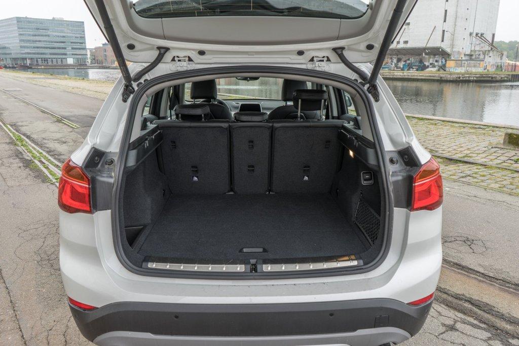 BMW X1 bagagerum