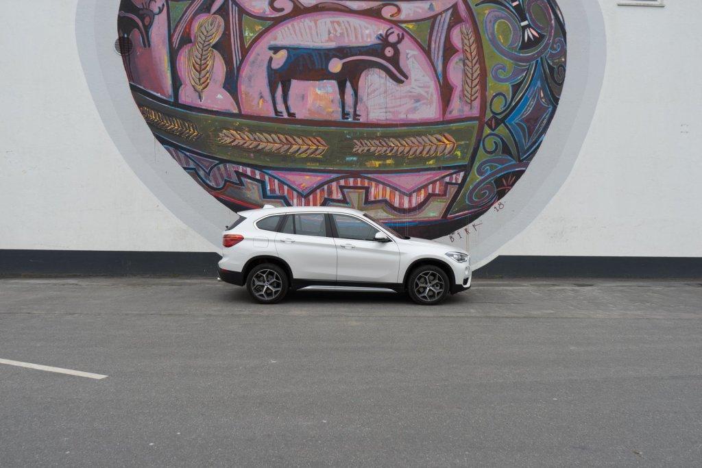 BMW X1 fra siden