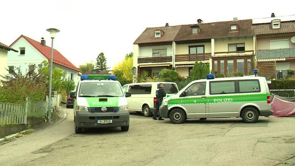 """Ein Mitglied der rechtsextremen """"Reichsbürger""""-Bewegung hat im Großraum Nürnberg auf Polizisten geschossen und dabei vier Beamte verletzt."""