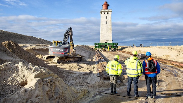 On rails, the lighthouse on the Rubjerg Knude dune must be pushed into the interior. (Source: imago images)