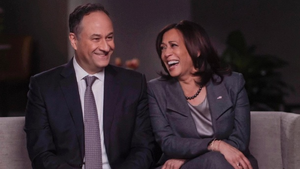 Kamala Harris and Doug Emhoff: Her husband supports her, also campaigned for her.  (Source: imago images / Cbs)