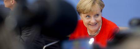 Kanzlerin Merkel tritt zum 21. Mal in der Bundespressekonferenz auf.