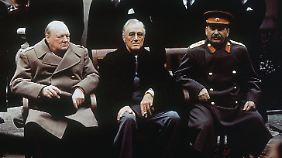 Churchill, Roosevelt und Stalin am 4. Februar 1945 beim Treffen im Kurort Jalta auf der Krim.