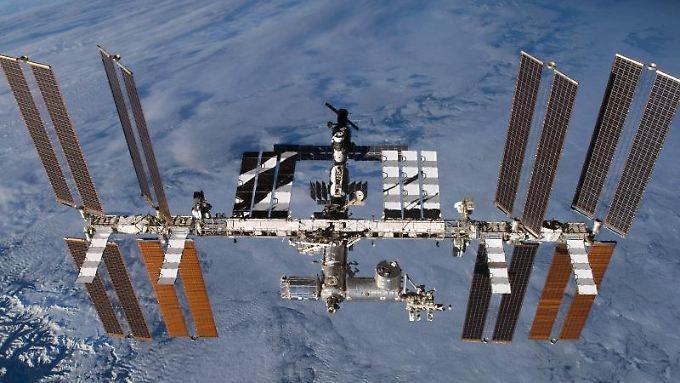 Rund 400 km über der Erde: die ISS: