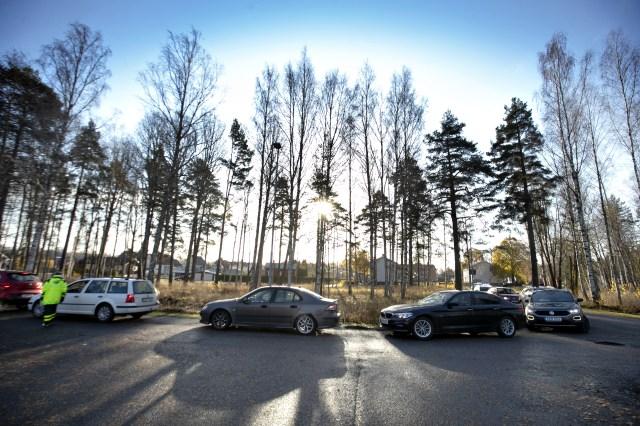 November. I år kunde influensavaccineringen ske bilburet i Sandviken. På samma parkering togs samtidigt provet för coronan.