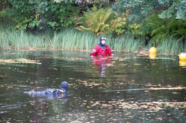 Polisens dykare letade i slutet av september efter föremål som ska ha använts vid mordförsöket.