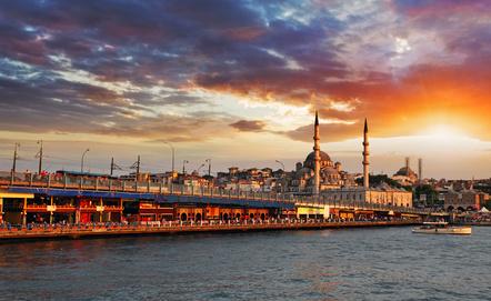 Istanbul, die Perle am Bosporus. © TTstudio - Fotolia.com