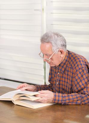Beim Lernen existieren keine Altersgrenzen. © Budimir Jevtic - Fotolia.com