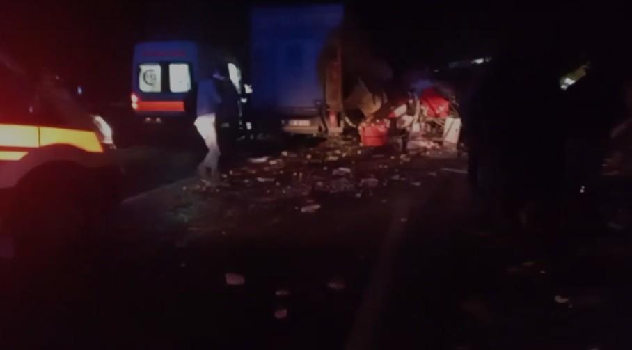Bilecik'te kamyonetin çarptığı tır şoförü hayatını kaybetti