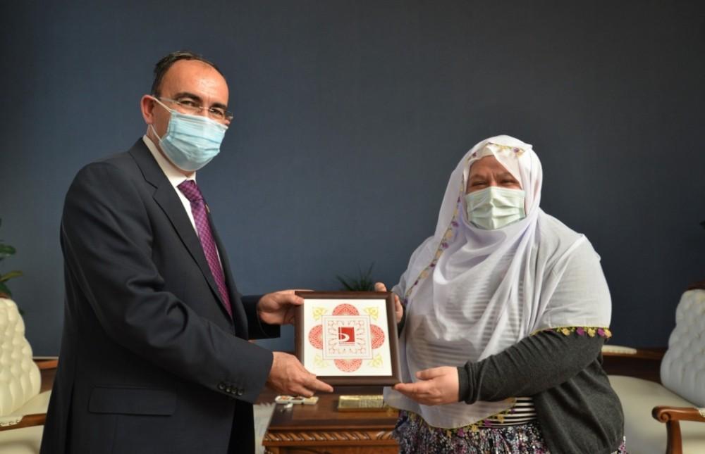 Mihalgazi Belediye Başkanı Akgün'den Rektör Beydemir'e ziyaret