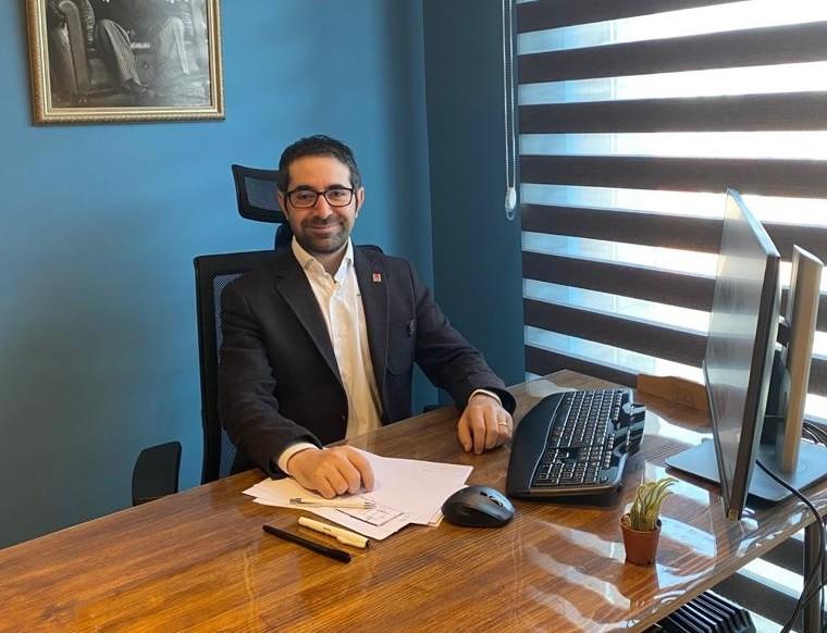 BŞEÜ öğretim görevlisi Ercan Güler'e Kıbrıs'tan büyük onur