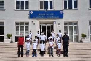 Jandarma ilköğretim okulu öğrencilerine kapılarını açtı