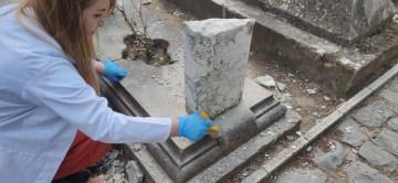 (ÖZEL) 19. yüzyıla ait tarihi mezar taşları onarıldı