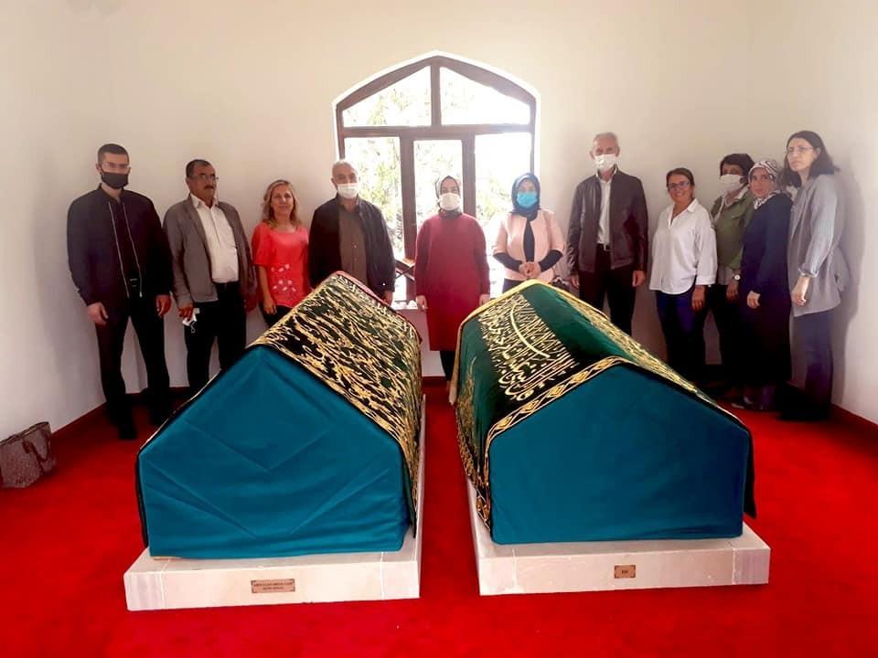 Abdullah Mihalgazi'nin sanduka örtüleri yenilendi