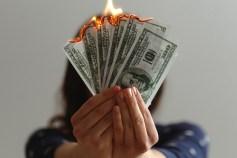 お金に対する意識を変えるだけで人生は大きく変化するかもしれない