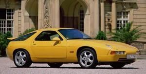En tidstypisk gul 928'er