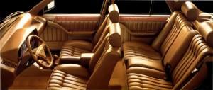 Lancia Thema 8.32 interiør i Poltrona Frau-læder (billede fra original brochure)