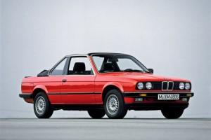 En af specielle Baur Topcabriolet, som blev opfundet før BMW selv forvandlede E30 til en fuldblods-cabriolet men fortsatte i produktion også efter).