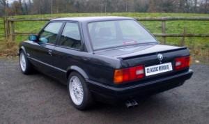 Modellerne efter faceliftet i 1987 kan kendes på de mørke kunststofkofangere og de bredere baglygter.