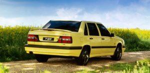 Den gule farve er svær at komme udenom - både som sedan og som stationcar.