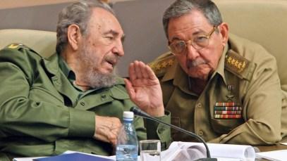 Fidel ve Raul Castro
