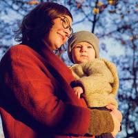 Anneler ve Bebekler Neden Birbirlerinin Solunda Konumlanmayı Tercih Ediyor?
