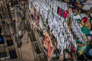 dhobi-ghat-sheets-laundry-mumbai-india
