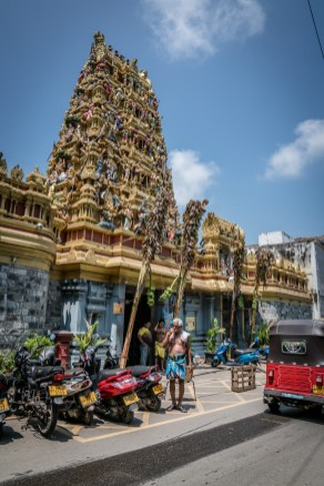 hindu-temple-colombo-sri-lanka