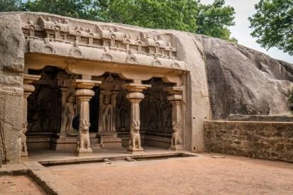 unesco-cave-mahabalipuram-tamil-nadu-india