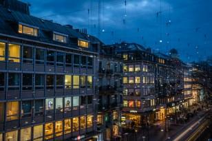 balcony-view-bahnhofstrasse-lights-nightscape-zurich