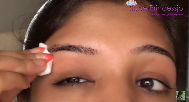 How To Do Eyebrow Threading